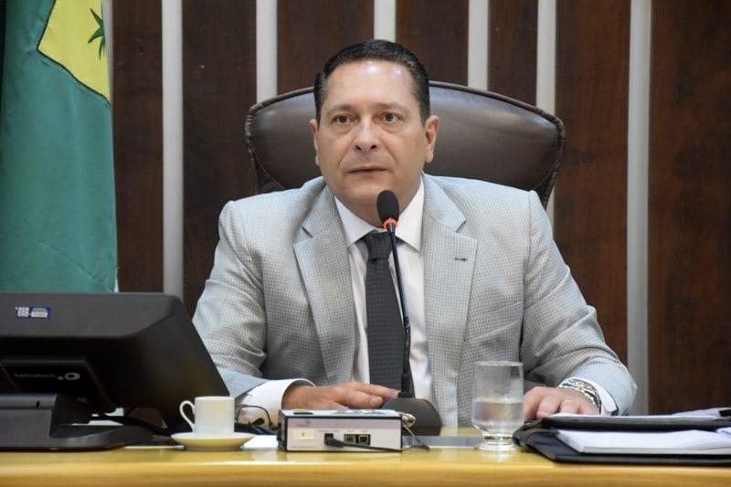 Presidente da Assembleia propõe quatro novos cursos para núcleo da UERN de Macau