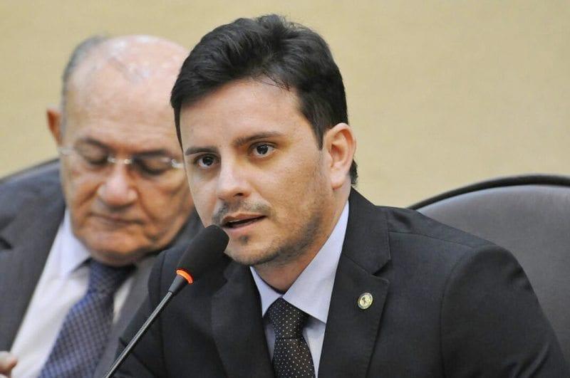 Deputado Carlos Augusto promove debate pela valorização do profissional de enfermagem
