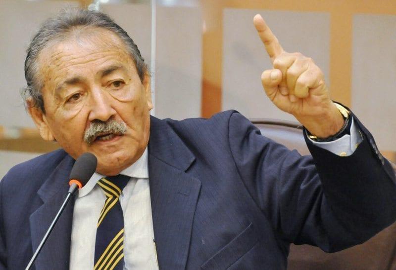 Deputado José Adécio critica situação dos hospitais regionais