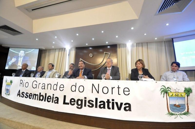 Assembleia e FGV firmam parceria para estudo de redimensionamento funcional