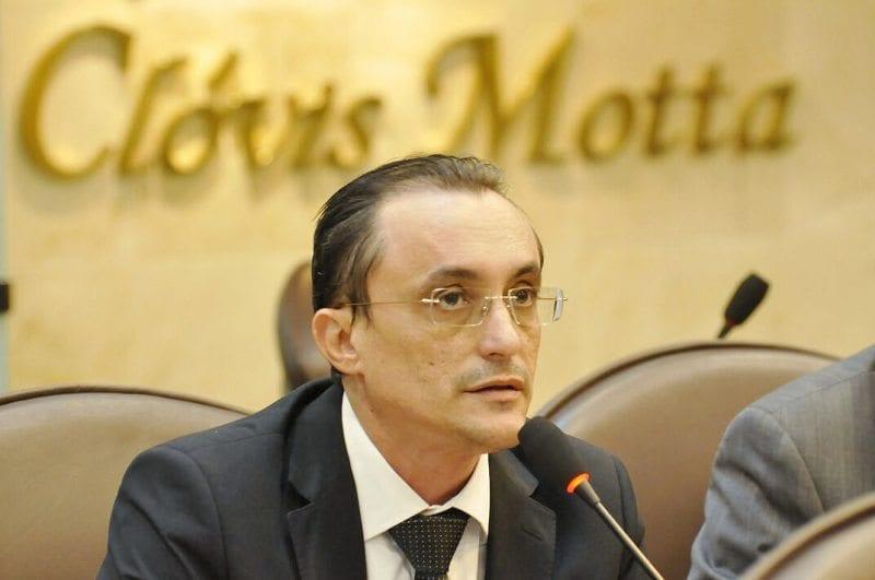 Deputado Souza Neto solicita ações na segurança e educação para município do Oeste