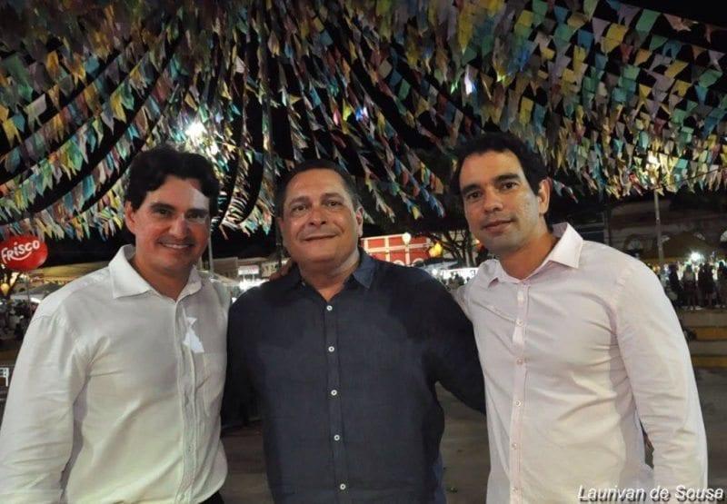 Deputado Ezequiel Ferreira participa festa de Assu ao lado do pré-candidato Gustavo Soares e do deputado George