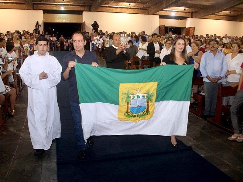Governador em exercício, Fábio Dantas participa da missa pelos 300 anos de  Nossa Senhora Aparecida