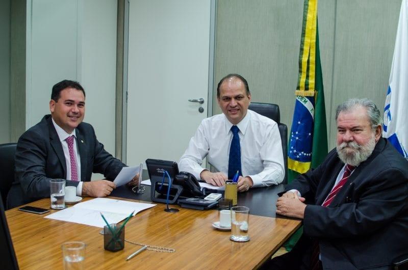 Ao ministro da Saúde, Beto Rosado pede recursos para Caicó, Macau e Ielmo Marinho