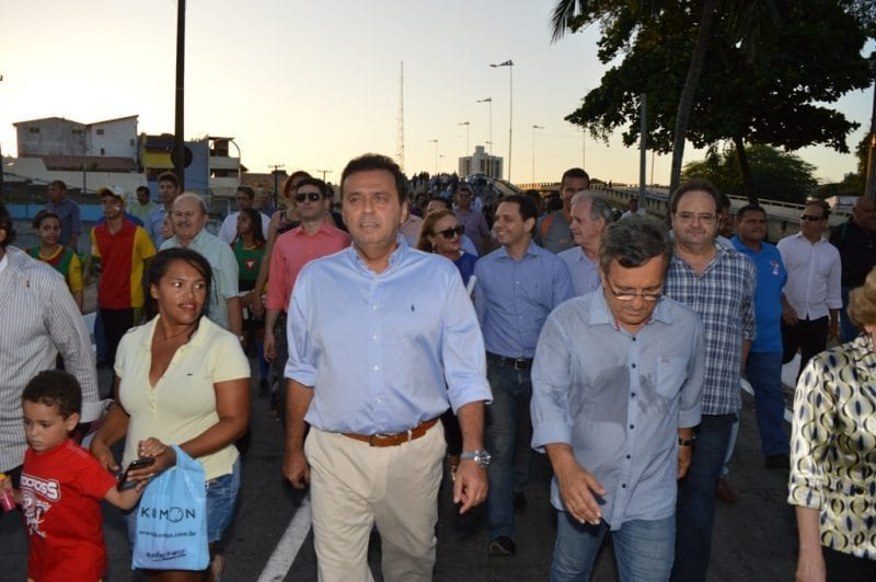 Prefeito Carlos Eduardo anuncia que concurso da Saúde será anulado