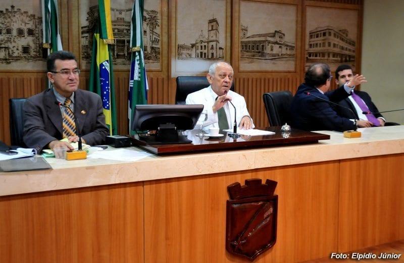 Câmara de Natal derruba dois vetos do prefeito Carlos Eduardo
