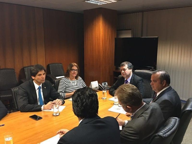 Deputado Felipe Maia apresenta carta de demandas trabalhistas para ministro Ronaldo Nogueira