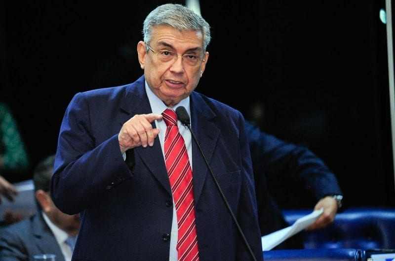 Em pronunciamento, senador Garibaldi Filho afirma que obras da transposição terão continuidade no Governo Temer
