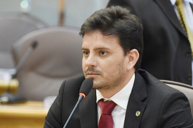 Projeto Vila Cidadã chegará à cidade de Parnamirim em julho, diz Carlos Augusto