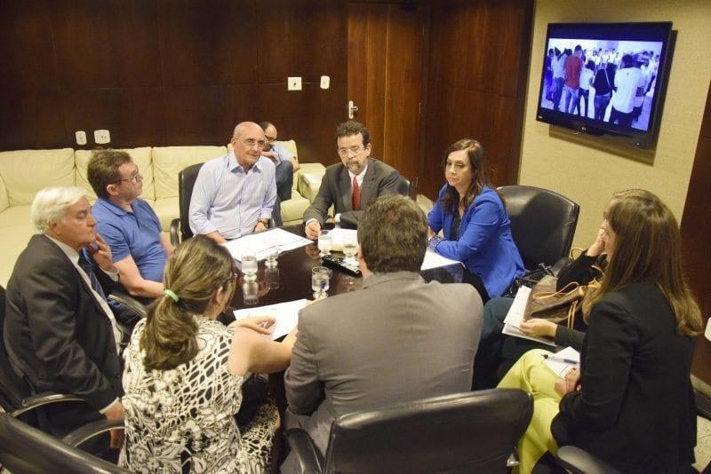 Deputados vão redirecionar emendas para ampliação e manutenção de UTIs infantis