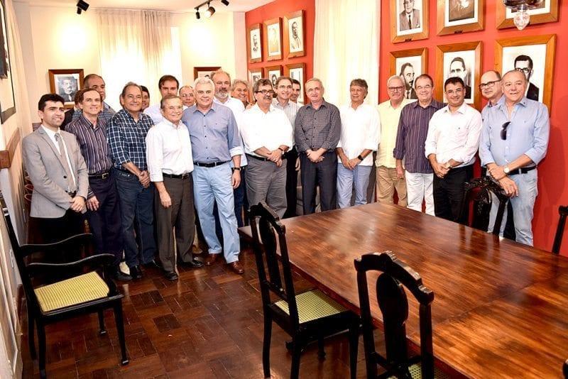 Empresários fazem moção de apoio ao nome de Marcelo Queiroz para vice de Carlos Eduardo