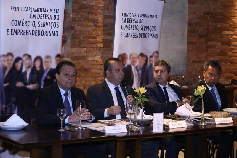 Frente do Comércio e Serviços defende modernização da lei trabalhista em reunião com ministro do Trabalho