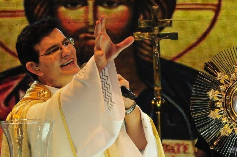 Show do Padre Reginaldo Manzotti será no Espaço João Paulo II
