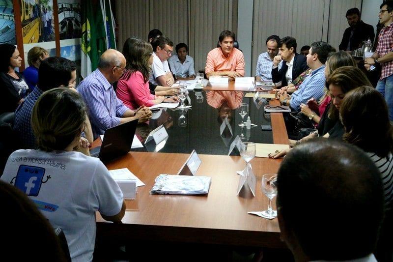 Governador garante reabertura da UTI do Maria Alice Fernandes nesta sexta-feira