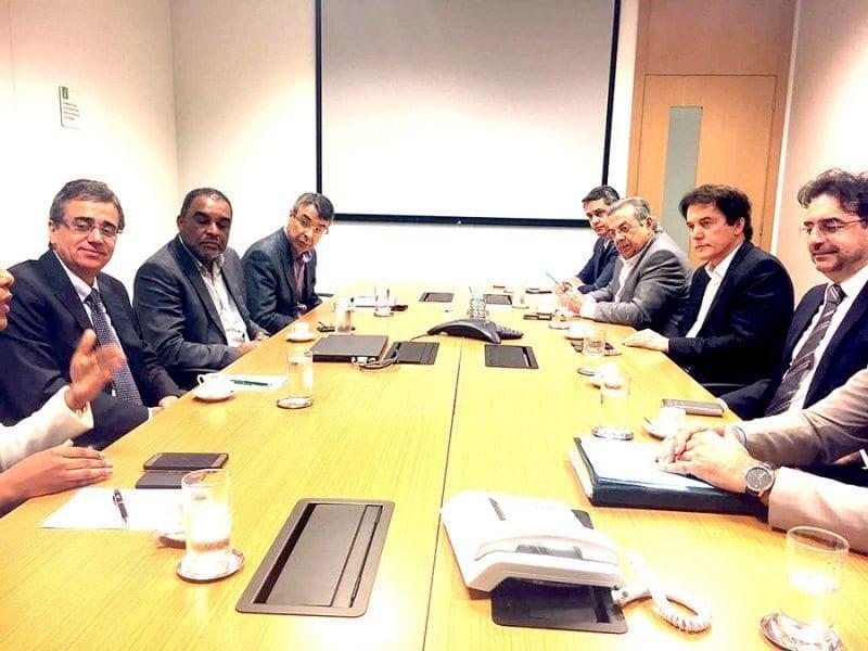 Governador Robinson tem reunião com diretoria da Petrobras e assegura investimentos