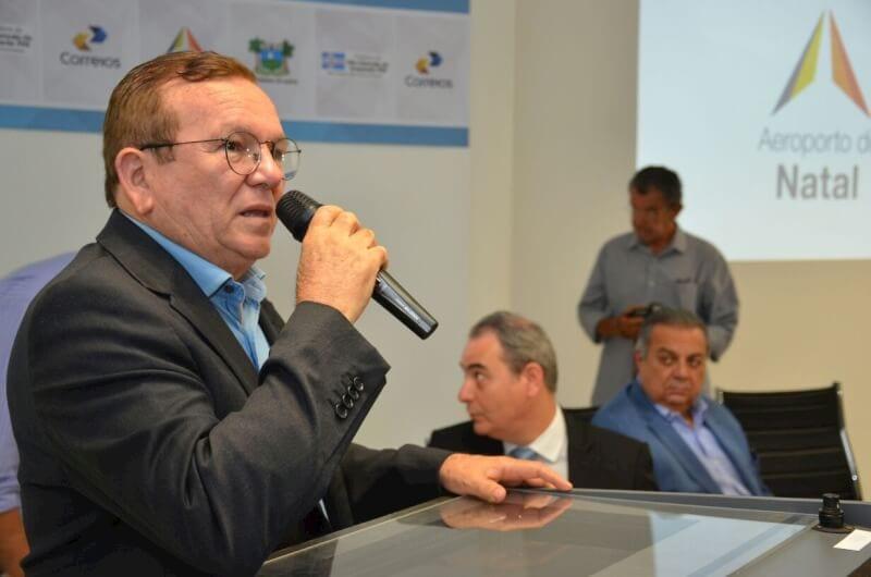 Prefeito Jaime Calado comemora instalação do Hub dos Correios
