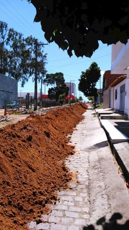 SAAE de São Gonçalo realiza interligação das redes que vão distribuir água do novo sistema da adutora