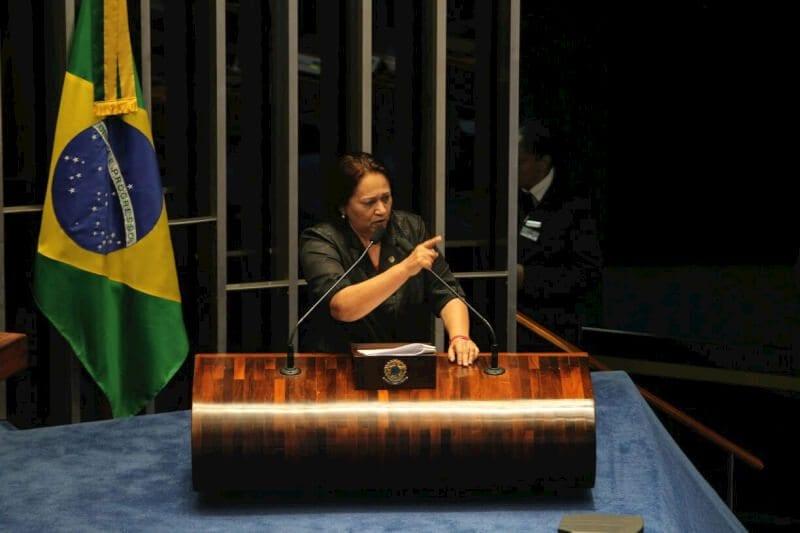 """No plenário do Senado, Fátima afirma que prefere escrever sua história """"com a tinta da verdade e com a caligrafia da justiça"""""""