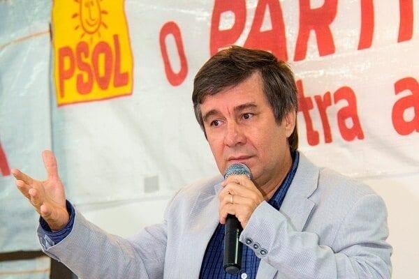 Suplente de Sandro Pimentel, Robério Paulino se habilita no processo e pede que Justiça negue pedido de Sandro