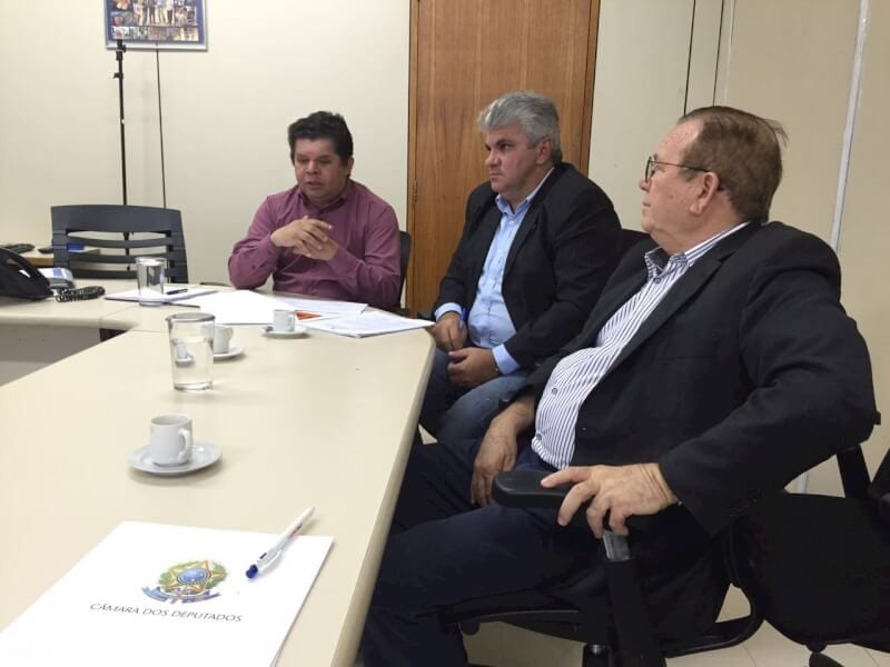 Prefeito Jaime Calado recebe parecer técnico favorável sobre a construção do novo hospital de São Gonçalo