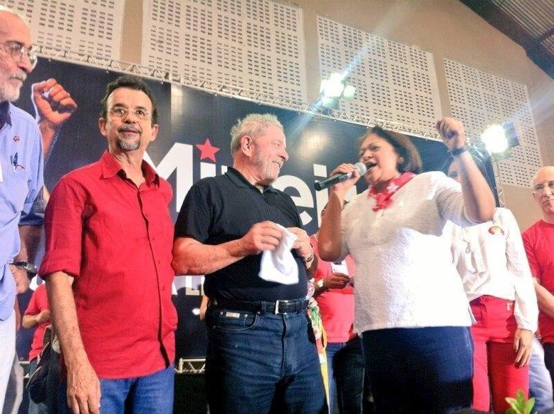 """Senadora Fátima Bezerra na convenção do PT: """"O que mais marcou o coração do RN foi a revolução na educação"""""""