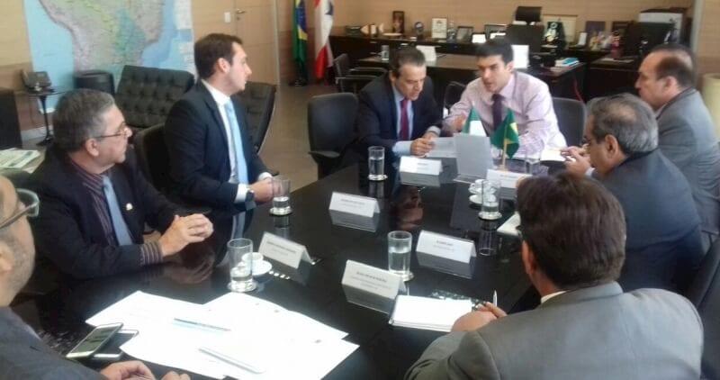 Ministro garante a prefeito Roberto Germano recursos para adutora de Caicó