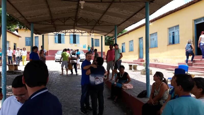 Em Ceará-Mirim, Júlio vota e diz que confia no povo para promover a mudança