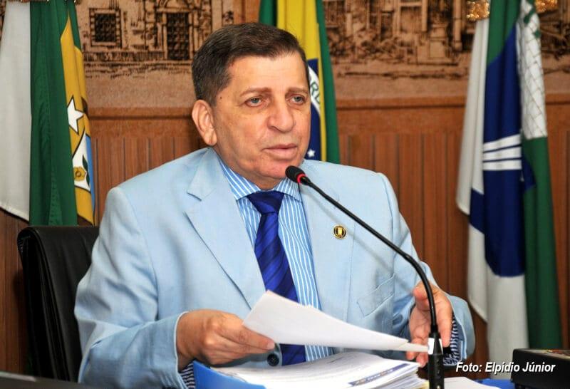Vereador Luiz Almir assina ficha de filiação do Avante