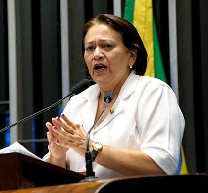 Justiça proíbe Carlos Eduardo de usar informações sobre posicionamento de Fátima Bezerra em relação à vaquejada