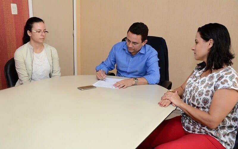Direção do Detran assina contrato de gestão do projeto Governança Inovadora