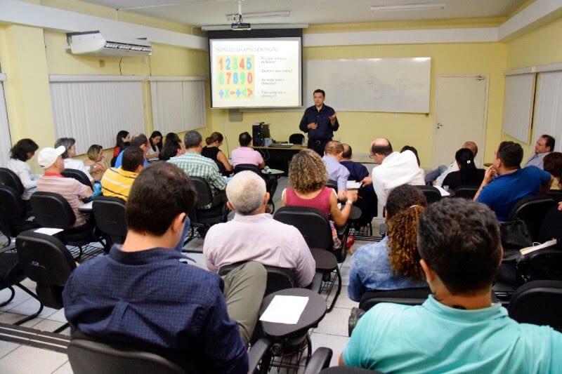 Evento discute papel das escolas legislativas no país