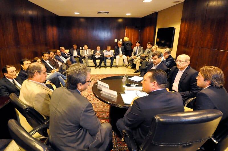 Deputados debatem com Governo e empresários sobre novo Refis