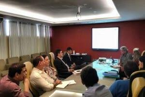Reitor da UERN se reúne com equipe do governo para discutir planejamento orçamentário