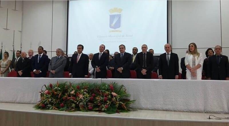 Carlos Eduardo empossado para novo mandato na Prefeitura de Natal