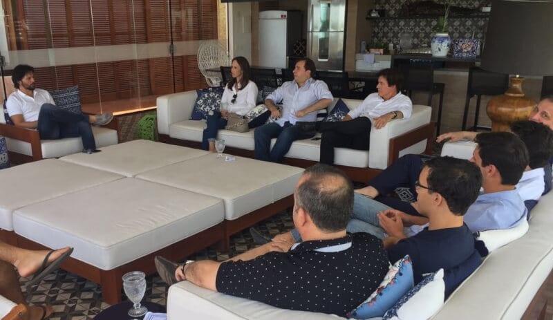 Em campanha para reeeleição, Rodrigo Maia se reúne com bancada federal potiguar