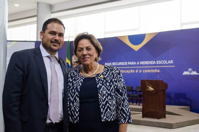 Em nota, PDT de Carlos Eduardo afirma que vai fechar com o PP de Rosalba Ciarlini
