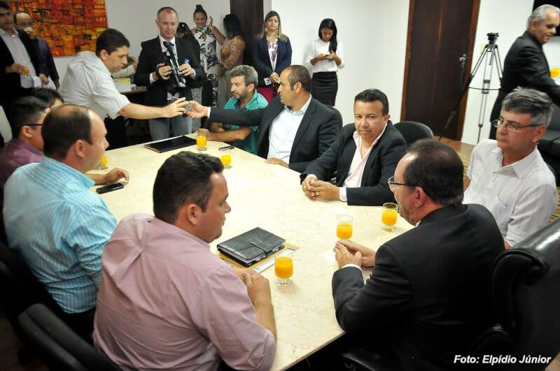 Vereador Raniere Barbosa recebe visita de presidentes de Câmaras do RN