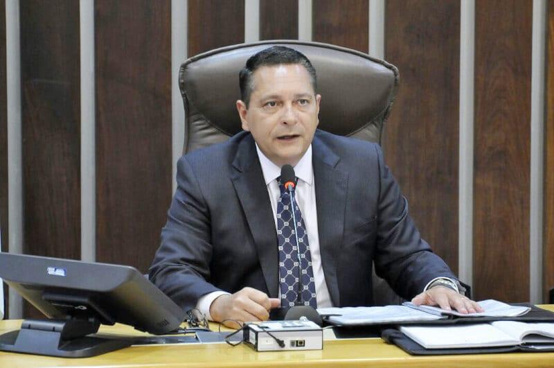 Deputado Ezequiel Ferreira requer ações de Saúde, Segurança e Educação para Ceará-Mirim