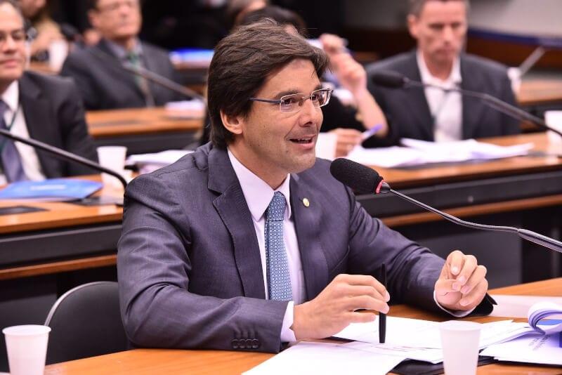 Câmara aprova o relatório do deputado Felipe Maia à MP que beneficia o transporte fluvial de mercadorias nas regiões Nordeste e Norte