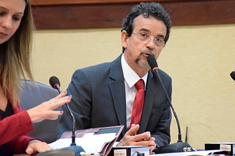 Deputado Mineiro critica reforma da Previdência e pedido do Governo para alterar Orçamento de 2017