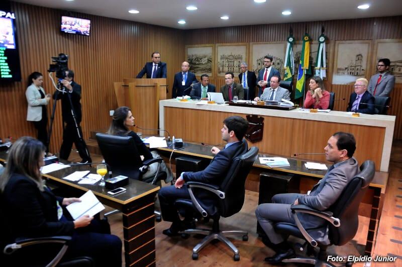 Decreto que revoga aumento de tarifa de ônibus recebe 17 assinaturas
