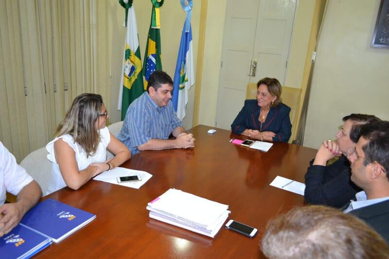 Prefeita Rosalba Ciarlini recebe reitor Pedro Fernandes
