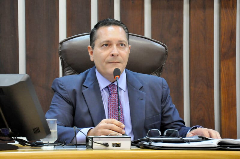 Governo atende solicitação de Ezequiel e entrega carros frigoríficos para municípios do Seridó