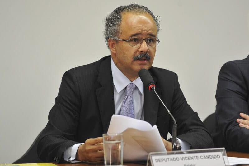 Relator da reforma política costura acordos para iniciar votação semana que vem