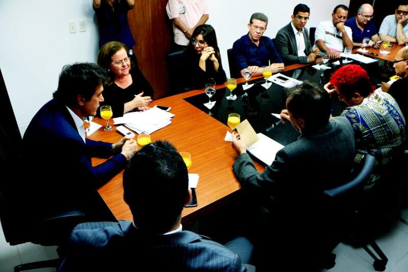 Governo cria grupos de trabalho para acompanhar despesas do Estado e discutir elaboração da LOA