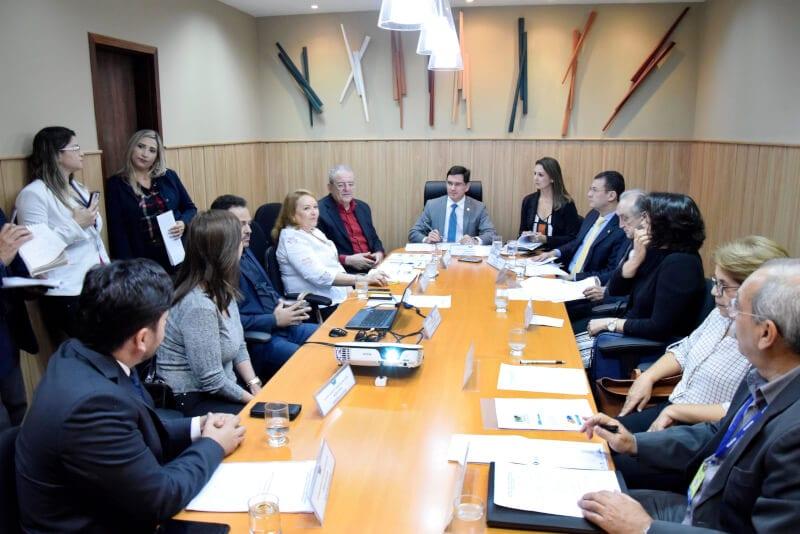 CFF recebe secretário de Saúde para prestação de contas do 3º quadrimestre/16