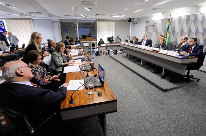 """No Senado, Rogério Marinho diz que """"modernização das leis trabalhistas vai combater precarização"""""""