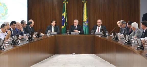 Brasília - Presidente Michel Temer coordena reunião sobre o Plano Nacional de Segurança, com a presença do governador do Rio, Luiz Fernando Pezão, e o presidente da Câmara, Rodrigo Maia (Antonio Cruz/Agência Brasil)