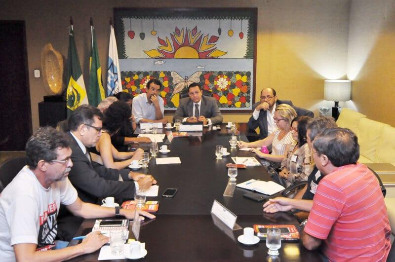 Deputados recebem pauta do Fórum dos Servidores para negociar com Governo do RN