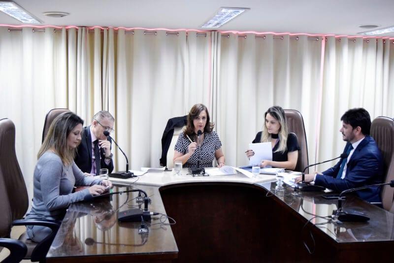 CCJ aprova revisão anual de remuneração de servidores do Tribunal de Contas